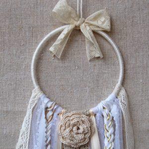 attrape rêve dentelles rubans écru blanc et rose au crochet
